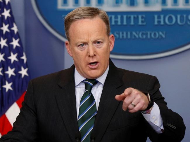 Trump bans cameras at White House press briefings