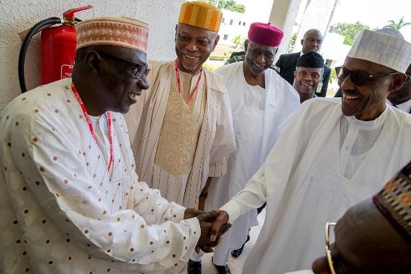 Buhari meets with APC, PDP leaders