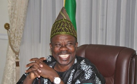 Parents grumble as Gov. Amosun orders pupils to pay N750,000 per session in Ogun Model College