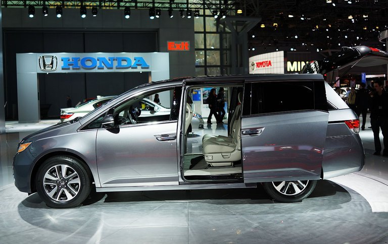 Honda Recalls 800,000 Odyssey Minivans over Faulty Seats Linked to Injuries