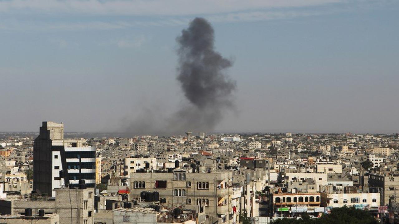 Israel strike kills 2 Palestinians