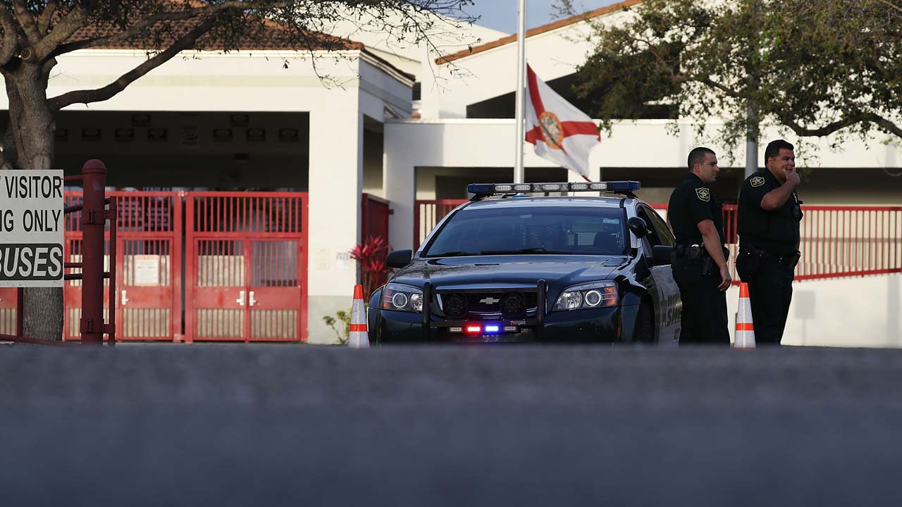 After shooting, Florida to station police officer at every school