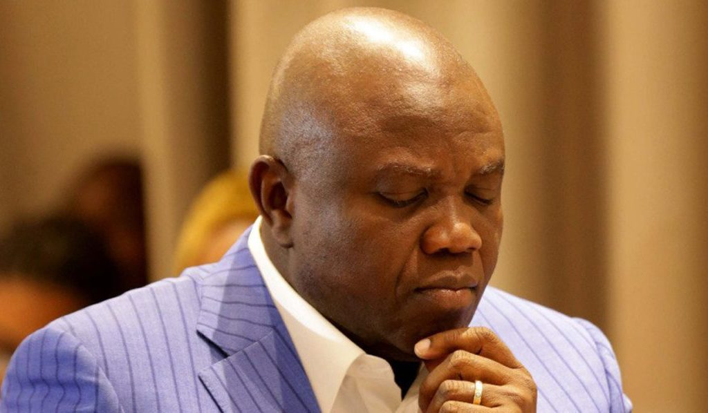 Alleged N9.9bn fraud: EFCC storms Ambode's home in Epe, says 'we are there for ongoing investigation'