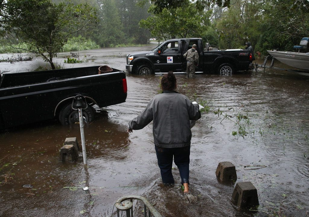 Residents of hurricane-hit US town start to pick up the pieces