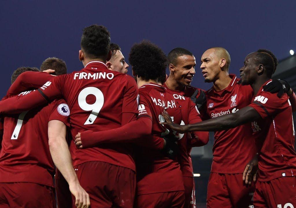 Salah's brace fires Liverpool seven points clear, United extend winning run