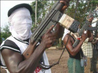 #NigeriaDecides: Gunmen attack Ubima polling unit, cart away ballot boxes in Rivers