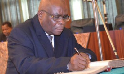 newsheadline247/Suspended Onnoghen resigns as CJN 'with immediate effect'