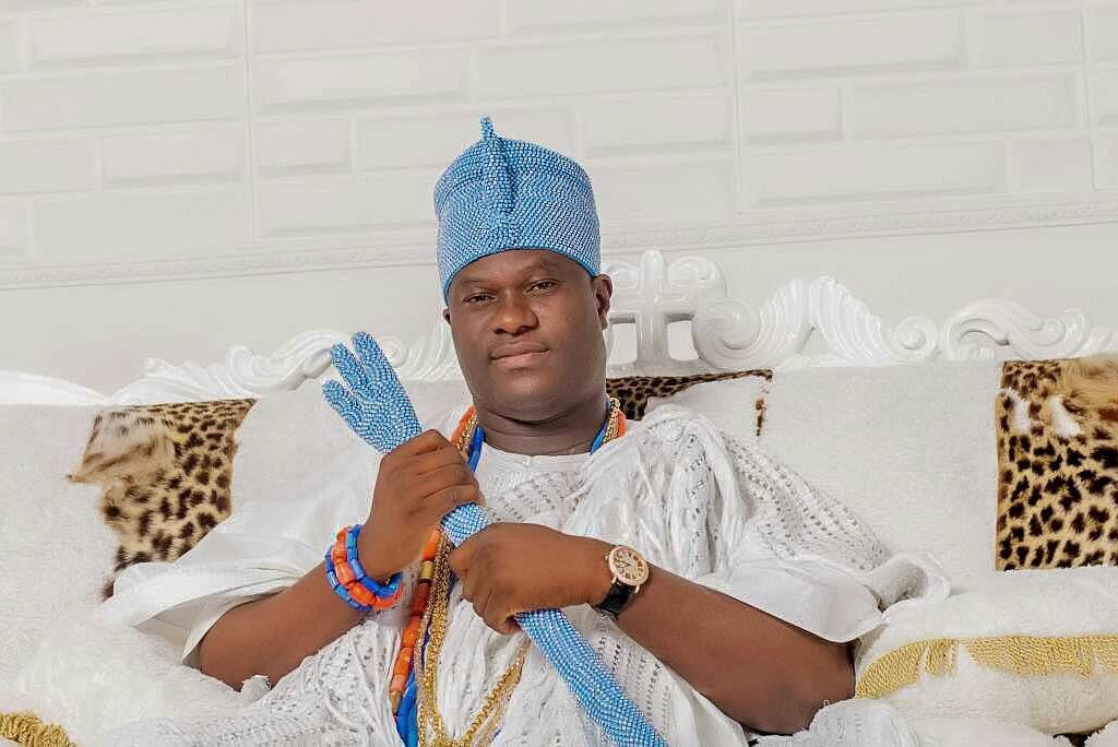 Ooni of Ife empowers 1,000 fashion designers
