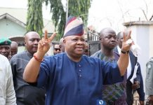 Senator Adeleke arrives Magistrate Court, charged with certificate forgery /newsheadline247