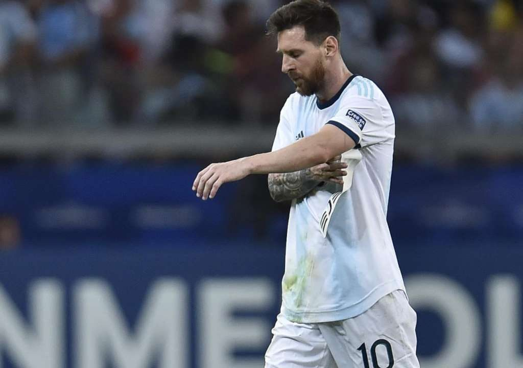 You're disrespectful – Dani Alves lambasts Messi for outburst at Copa America
