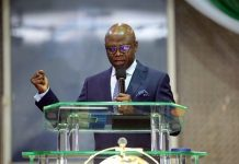 Born to rule - Pastor Bakare boasts to become Nigeria's next President [Video]/newsheadline247.com