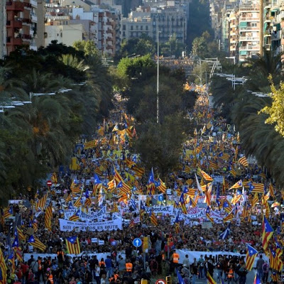 newsheadline247.com/350,000 protesters flood Barcelona for separatist 'freedom' rally