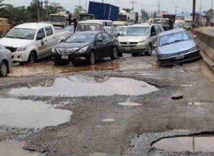 Gov. Sanwo-Olu declares state of emergency on Lagos roads, works begin on Monday/newsheadline247.com