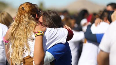 newsheadline247.com/'Beautiful' moments as Mexican migrants meet families on US border