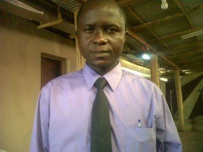 newsheadline247.com/Nigerian police arrest newspaper editor, Dipo Awojobi
