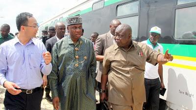 newsheadline247.com/Lagos-Ibadan Rail: Amaechi detects 'compromise of standards,' halts construction