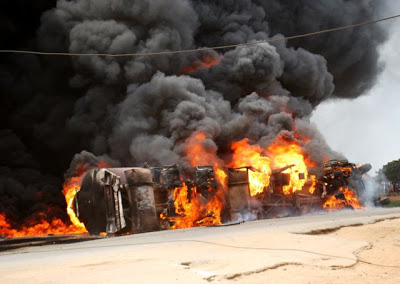 Smuggling: Vehicles burnt to ashes along Idiroko border route during security checks