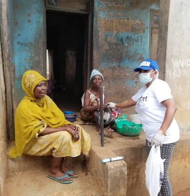 [PHOTOS] When Erelu Adeola's Orisile Humanitarian Foundation extended palliative to Ota residents amid COVID-19 lockdown