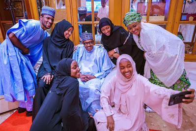 Photos: Buhari with family celebrate Eid-el-Fitri in state house - newsheadline247.com