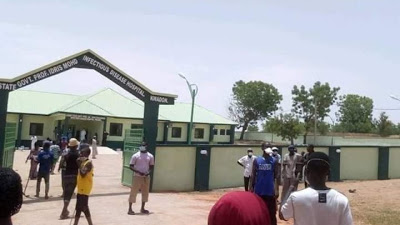 COVID-19 patients hit Gombe streets in protest over 'hunger in isolation' /newsheadline247.com