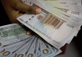 Weak naira goes at N450 to a dollar - newsheadline247.com