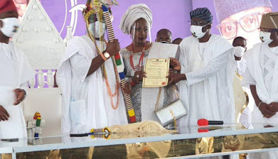 Oba Abisogun II… Gbolahan Lawal Crowned New Oniru Of Iruland, receives  Staff of Office