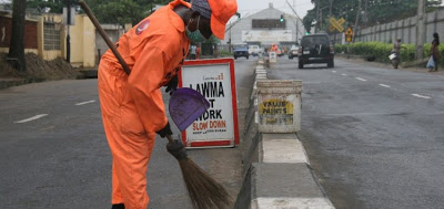 LAWMA: Lagos Govt approved N25k for street sweepers but contractors paid N5k